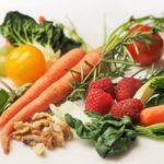 How to Eat Right carrot kale walnuts and tomatoes