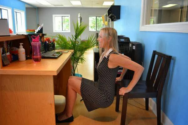 chair dips in office