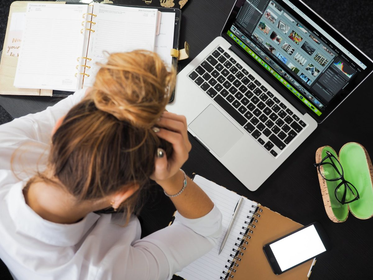 3 Unhealthy Habits That Are Destroying Your Productivity