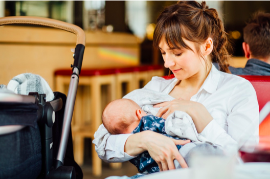 Breastfeeding in Public – Tips for the Nursing Mothers