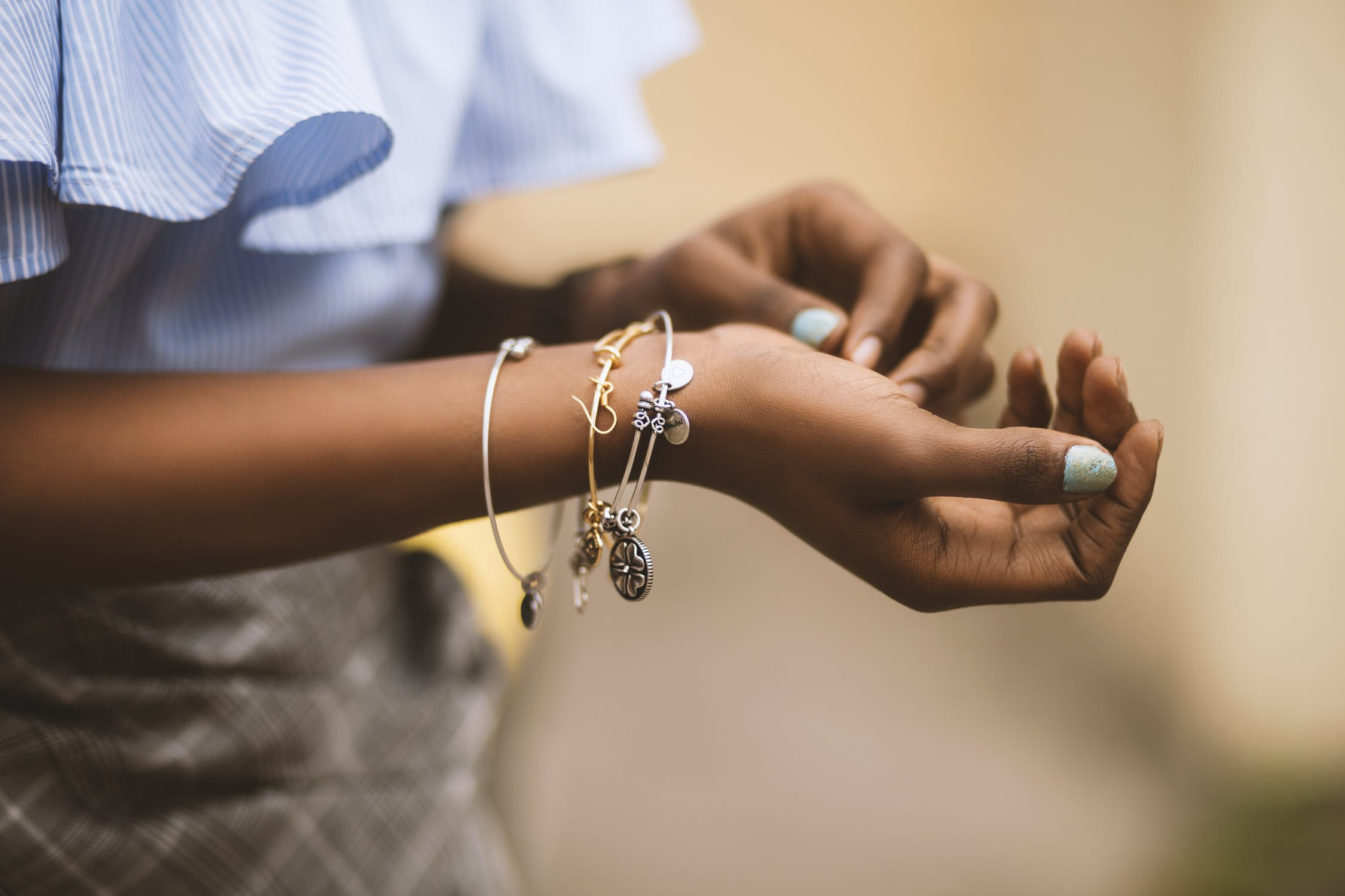 5 Ideas to Save Money When Jewelry Shopping
