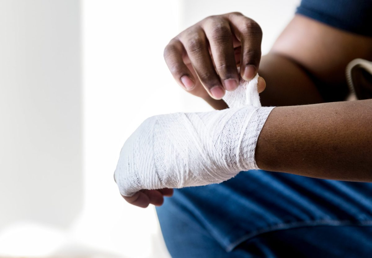 Causes, Symptoms, Diagnosis, Treatment, and Prevention for Strains and Sprains