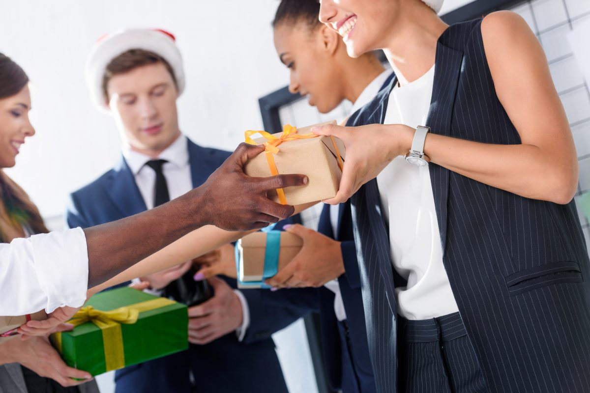 Employee Appreciation: The Top 11 Personalized Gift Ideas for Office Staff