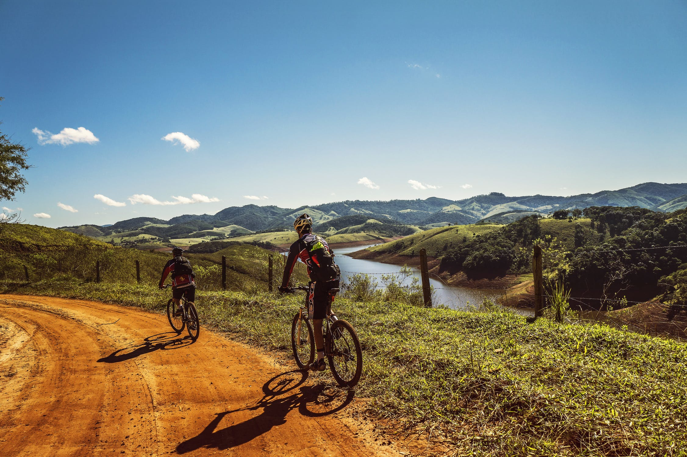 What to Pack for a Long Distance Cycling Adventure