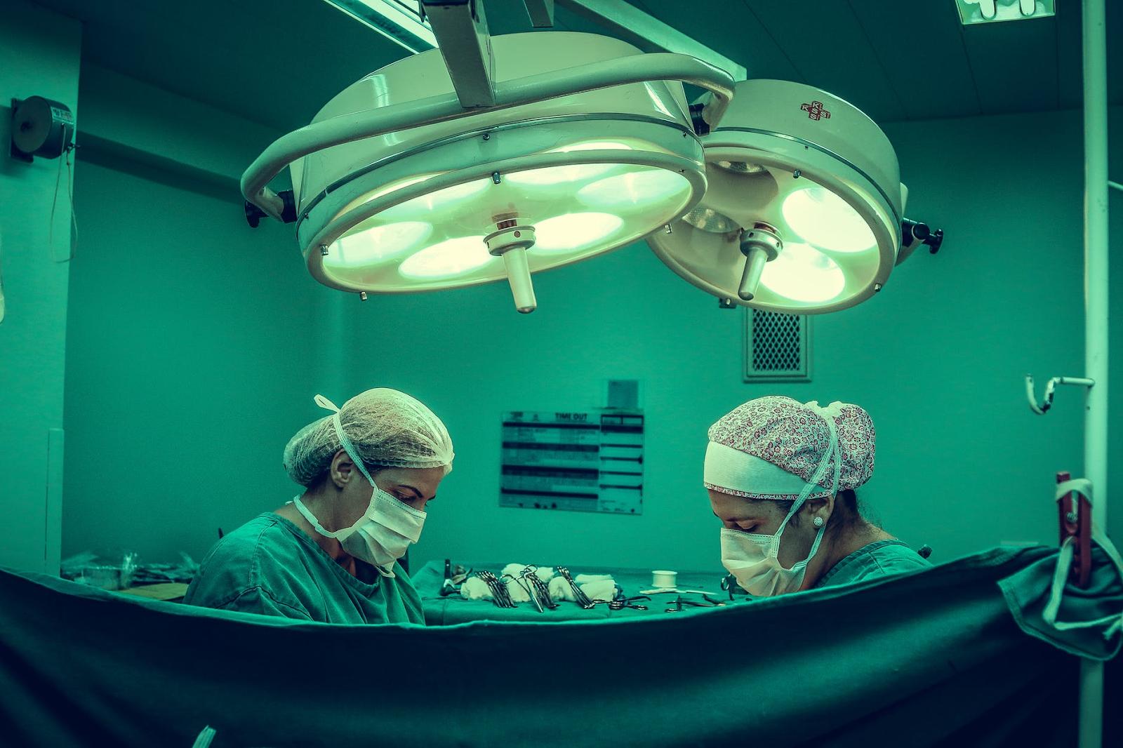 10 Reasons Plastic Surgery is So Popular