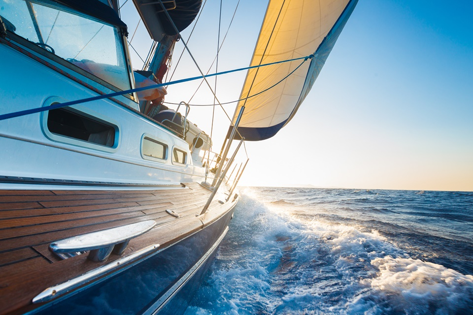 7 Crucial Boating Tips to Follow When out on the Water