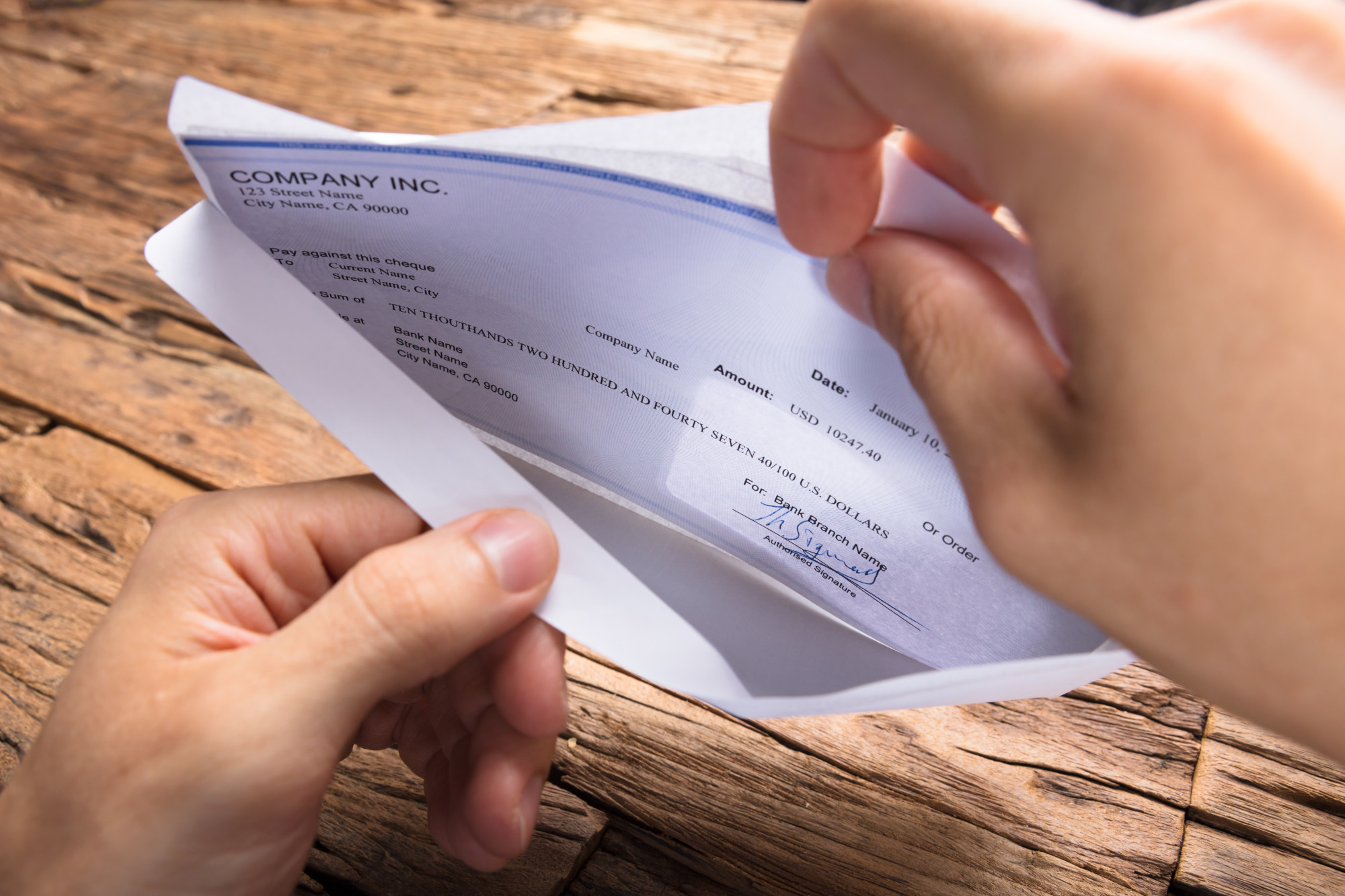 3 Reasons Self-Employed and SMB Benefit from Using a Paycheck Stub Generator