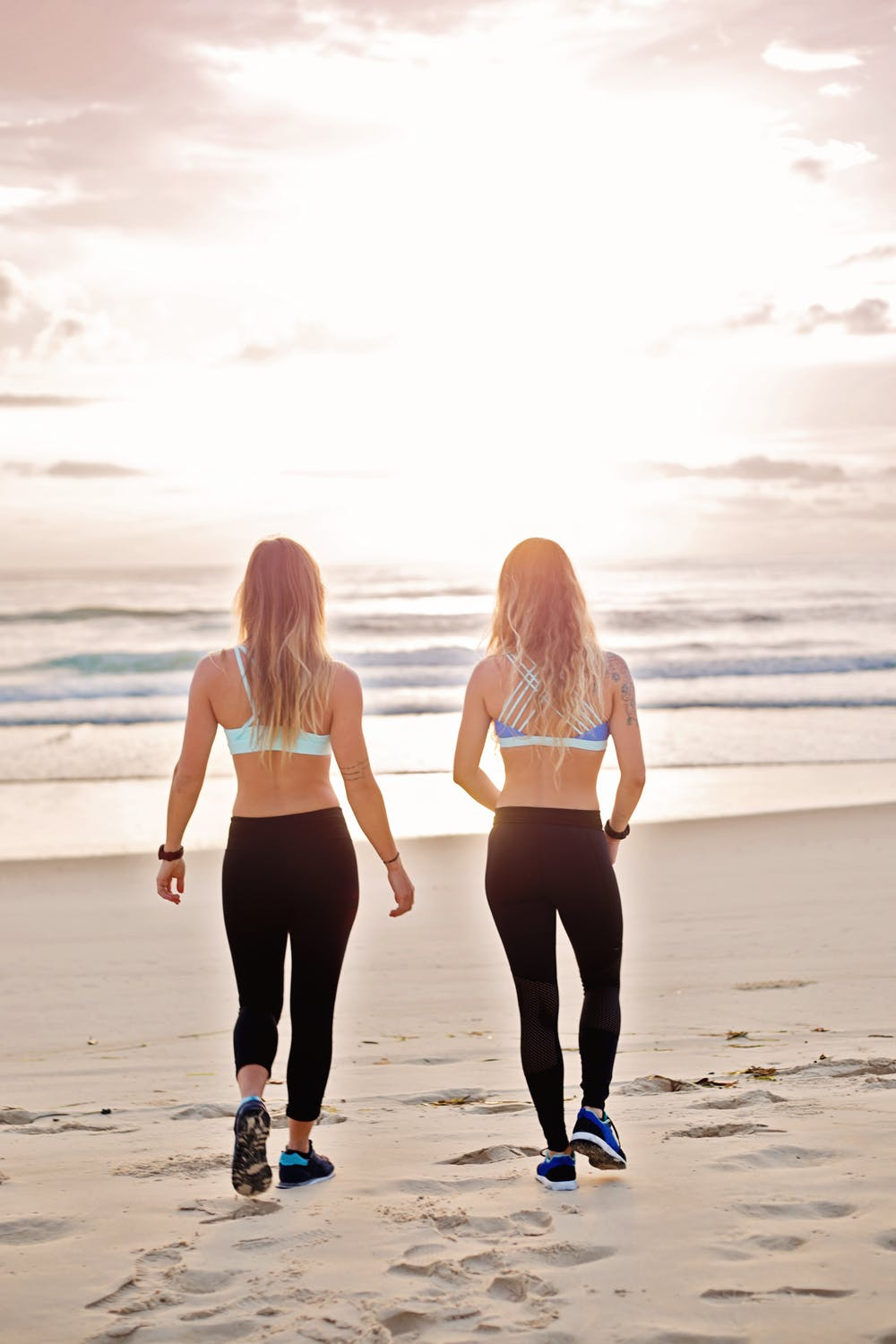 How to Be Fit By Walking Miles with Your Friend