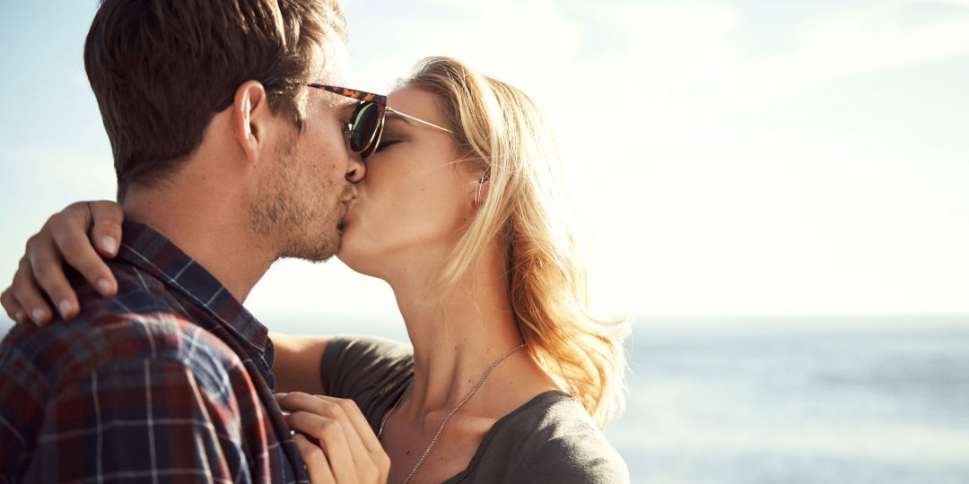 how to kiss your boyfriend romantically for the first time